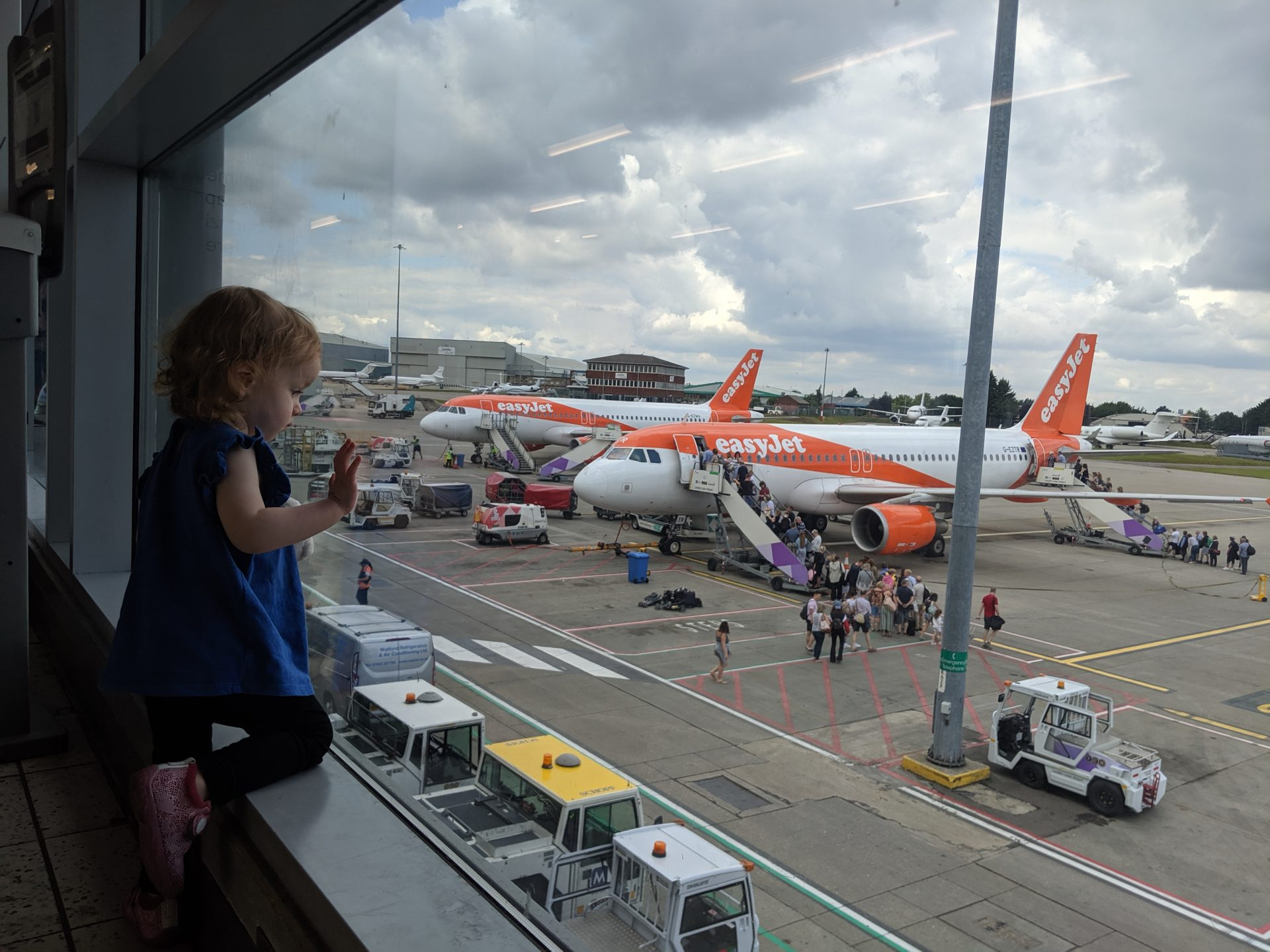 Bagaż dla niemowlaka – co spakować w pierwszą podróż z niemowlakiem