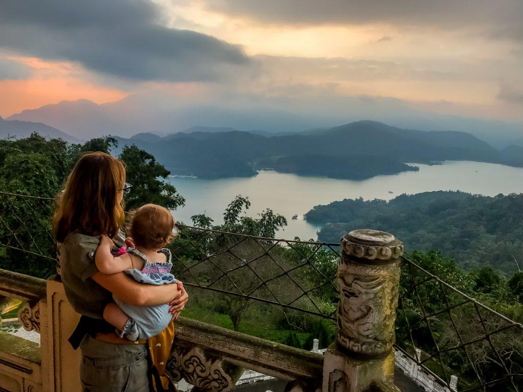 Tajwan z dzieckiem Jezioro Sun Moon Lake