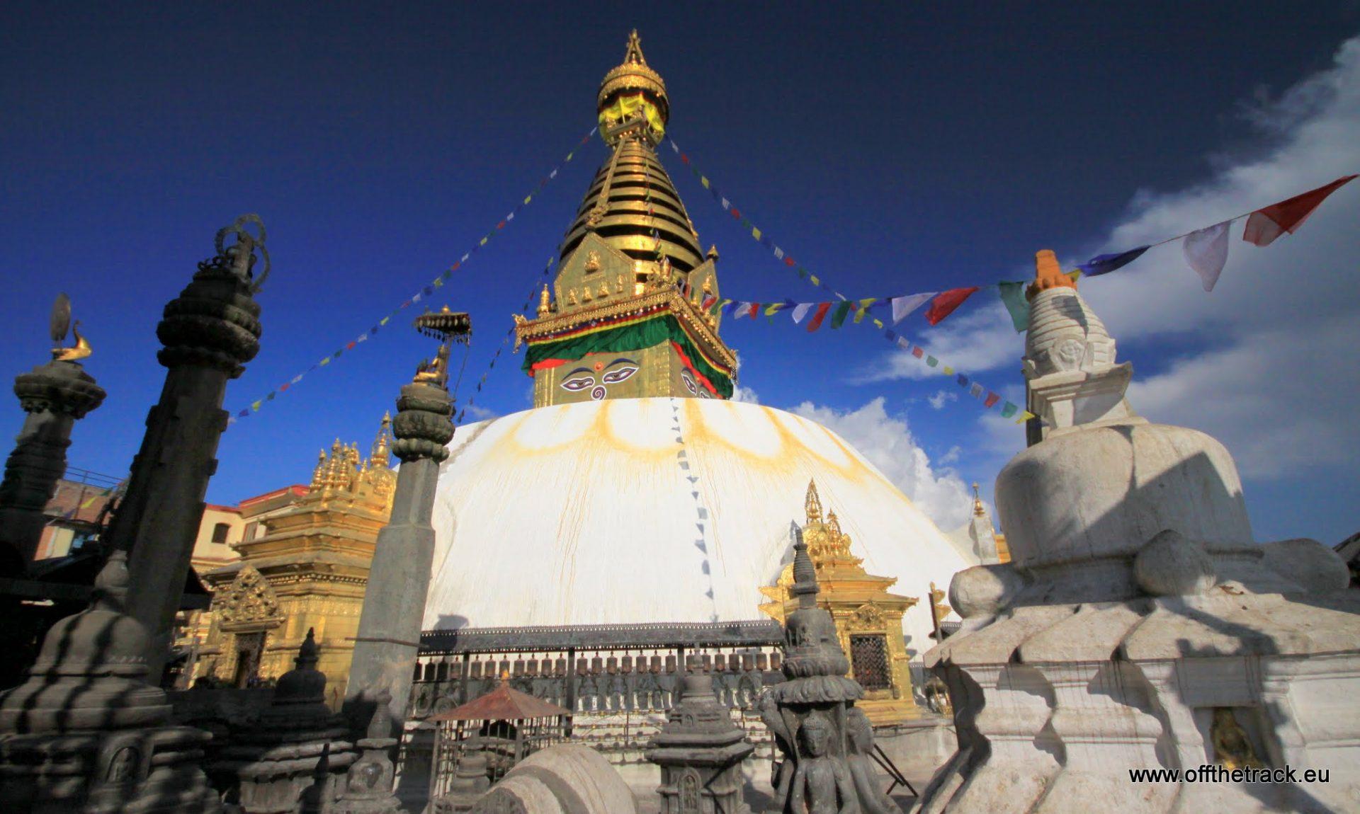 Z małpami w świątyni Swayambhunath