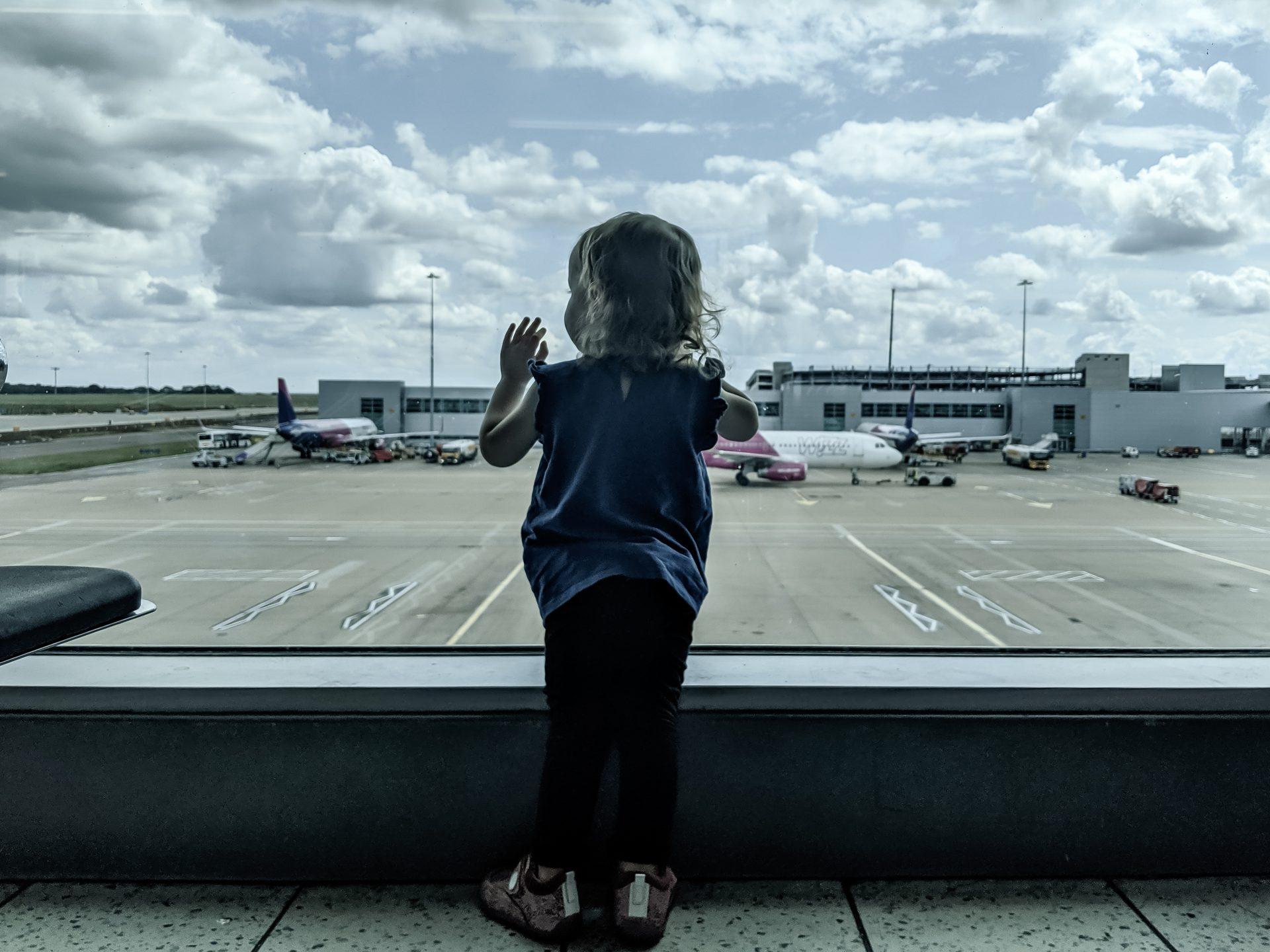 Wózek w samolocie dla niemowlaka